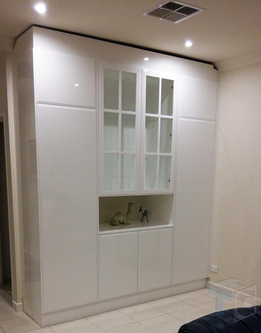 display-unit-storage-cabinet 01