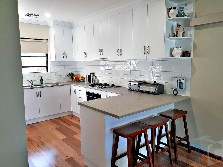 sitting-ridgehaven-kitchen-3