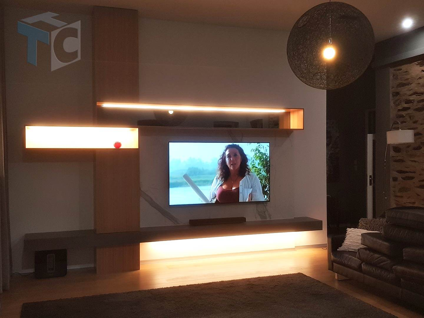 display-tv-unit-with-lights